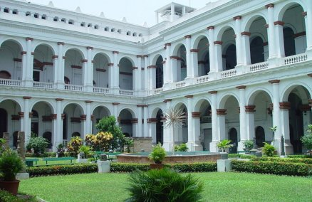Court Yard of India Museum, Kolkata. Credit: en:User:Mjanich / Wikimedia Commons