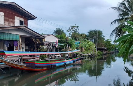 The tranquil Khlong Bang Luang community