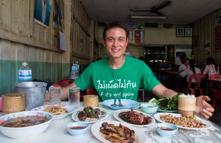 Mark Wiens / Eating Thai Food