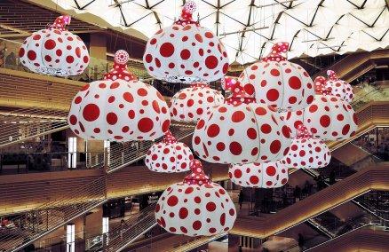 Yayoi Kusama's Inflatable Pumpkins Balloons