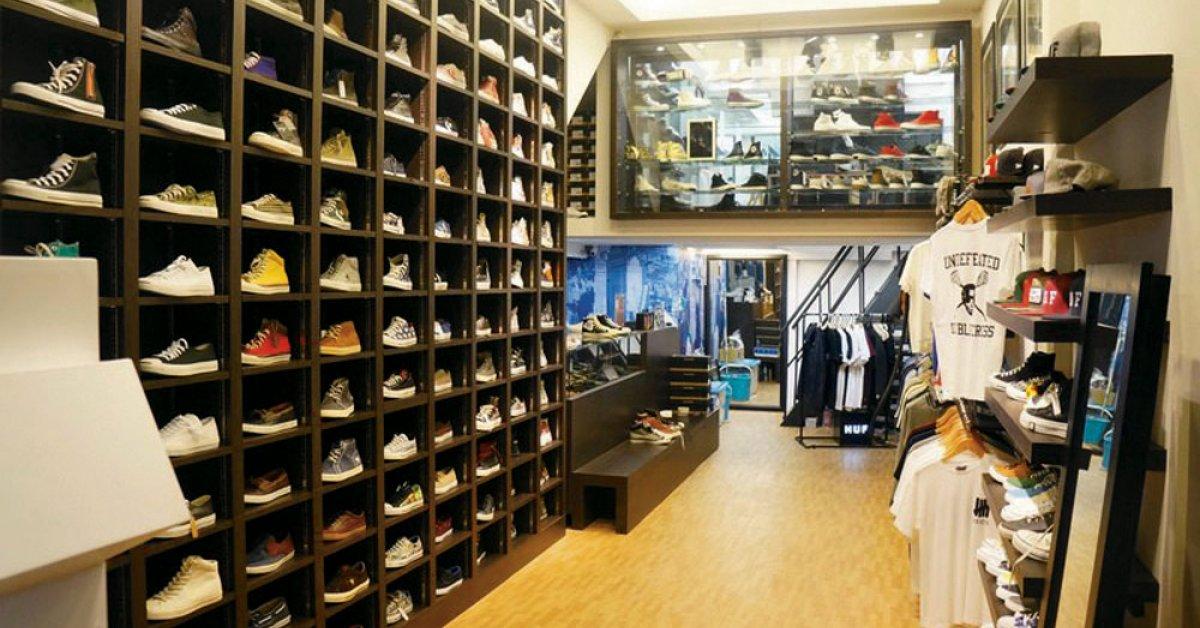b35271322bd New Converse Carnival Shop   Siam Square Soi 1