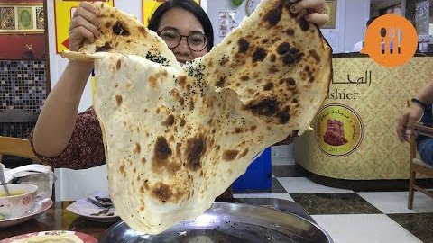 Embedded thumbnail for Yemeni restaurant in Bangkok serves world's biggest naan