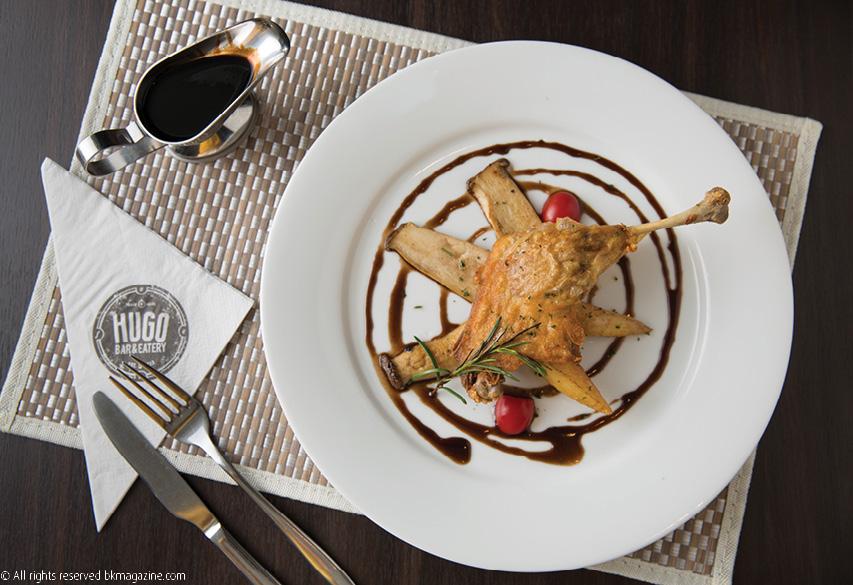 6 Iconic Local LA Restaurants Open During Social