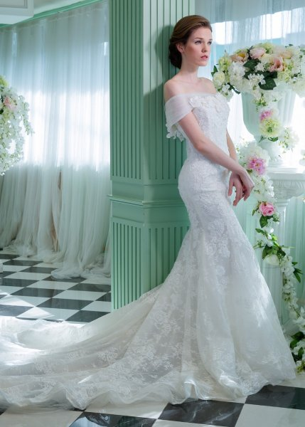 5343396f1cf Dresses can be rented from four to eight days. 18 Udomsuk Soi 31