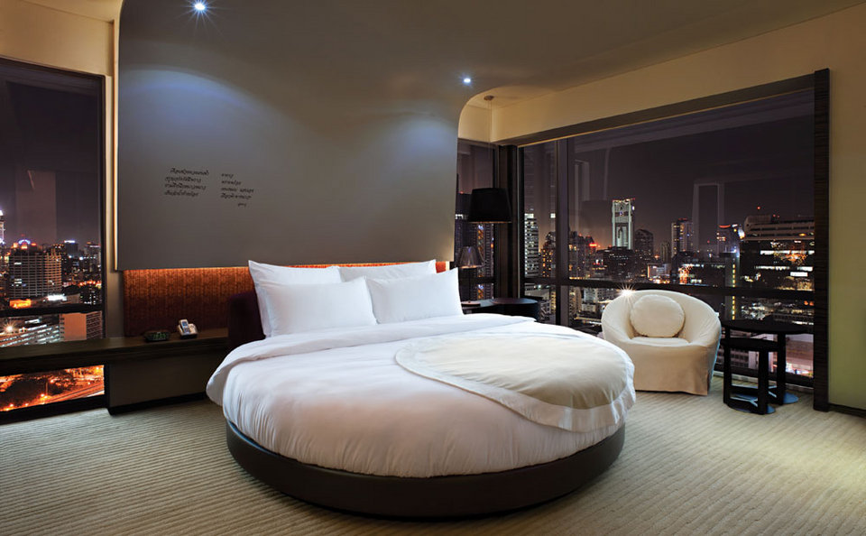 The Round Beds At Le Merin On Surawongse Road